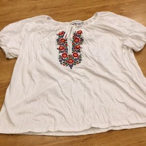 Great condition white shirt with flower embroidery